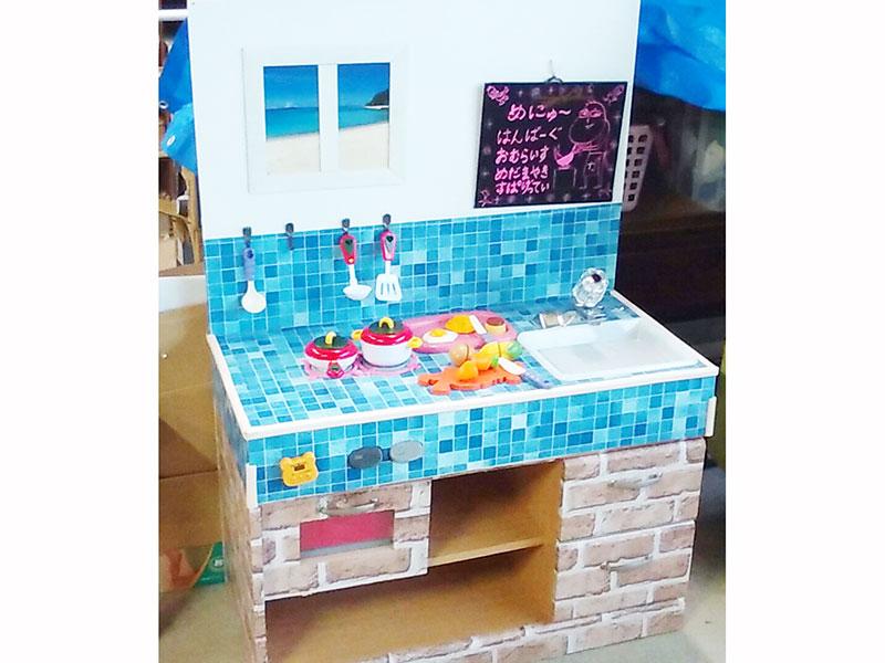 オイガックスのイベントで大活躍です、子供たちに人気な社員の手作りミニキッチン!